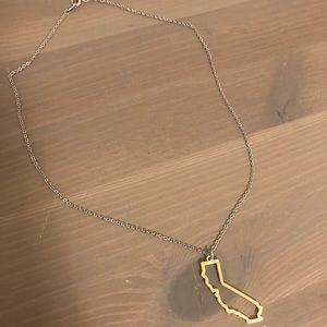 Jewelry - Gold colored California pendant